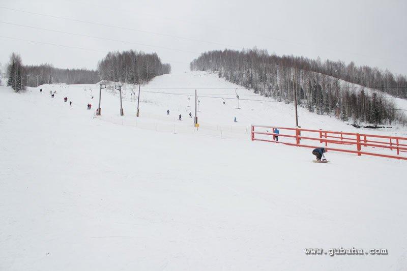 Губаха gubaha_2011_2012_0001.jpg ГЛЦ Губаха - сезон 2011-2012 Горнолыжный центр Губаха горные лыжи сноуборд Город Губаха Фото
