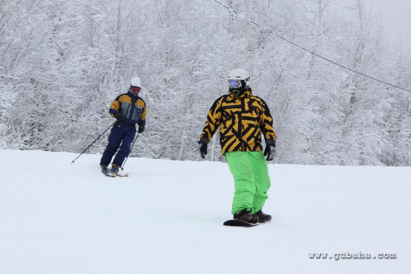Губаха gubaha_2011_2012_0157.jpg ГЛЦ Губаха - сезон 2011-2012 Горнолыжный центр Губаха горные лыжи сноуборд Город Губаха Фото