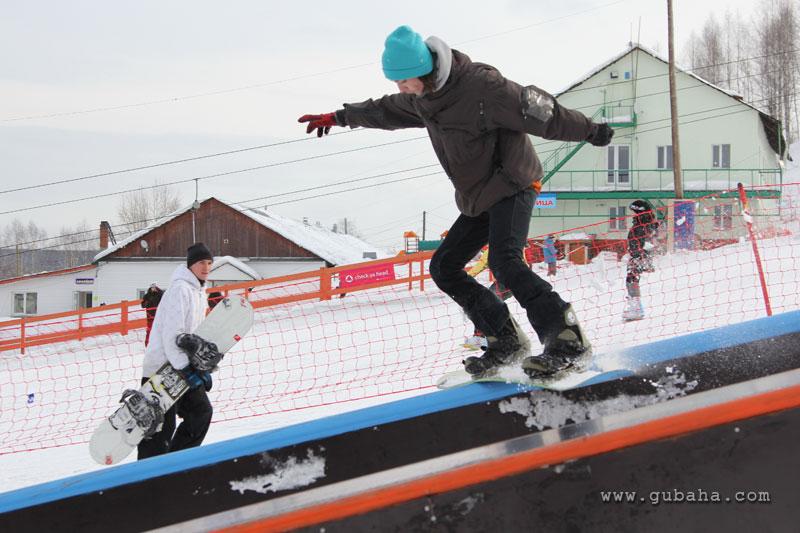 Губаха gubaha_2011_2012_1099.jpg ГЛЦ Губаха - сезон 2011-2012 Горнолыжный центр Губаха горные лыжи сноуборд Город Губаха Фото