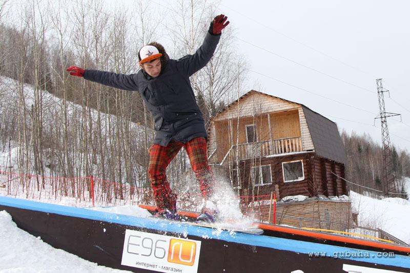 Губаха gubaha_2011_2012_1134.jpg ГЛЦ Губаха - сезон 2011-2012 Горнолыжный центр Губаха горные лыжи сноуборд Город Губаха Фото