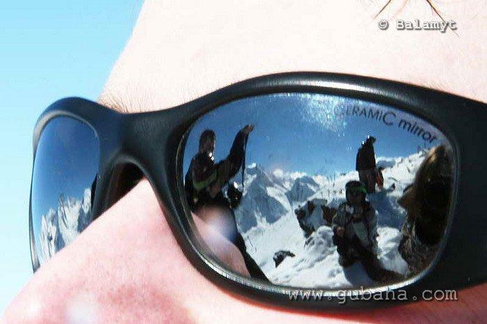 Губаха foto43.jpg Домбай 3 - март 2007 Горнолыжный центр Губаха горные лыжи сноуборд Город Губаха Фото
