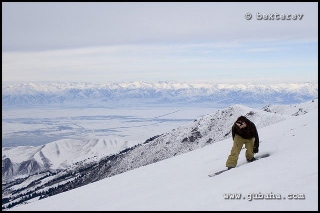 Губаха 03.jpg Каракол - январь 2009 Горнолыжный центр Губаха горные лыжи сноуборд Город Губаха Фото