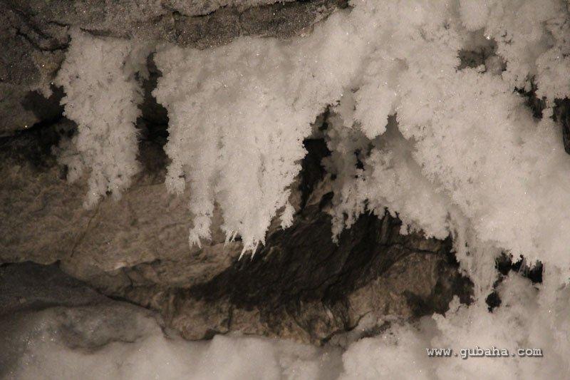 Губаха kungur_cave_011.jpg Кунгурская ледяная пещера 2011 Горнолыжный центр Губаха горные лыжи сноуборд Город Губаха Фото